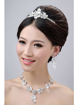 Awesome Alloy Clear Crystals Flower Wedding Party Earrings Set