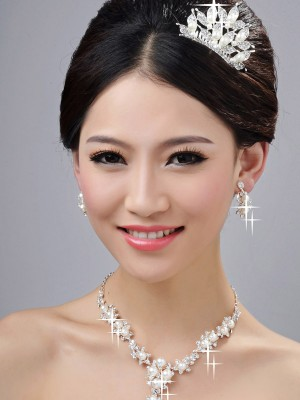 Bright Alloy Clear Crystals Wedding Party Earrings Set