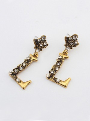 Occident Retro Punk Personality Alphabet Stud Fashion Earrings