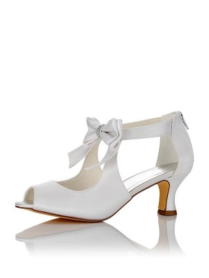 Satäng PU Peep Toe Spool Heel Wedding Shoes